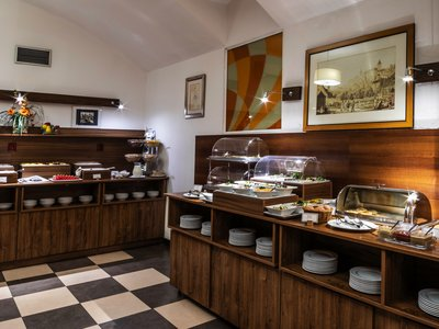 EA Hotel Downtown**** - breakfast restaurant