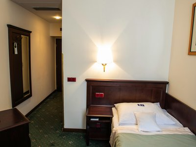 EA Hotel Downtown**** - single room